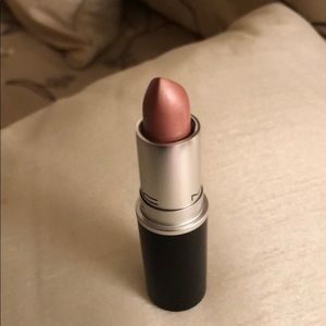 Mac Lipstick in the shade Politely Pink